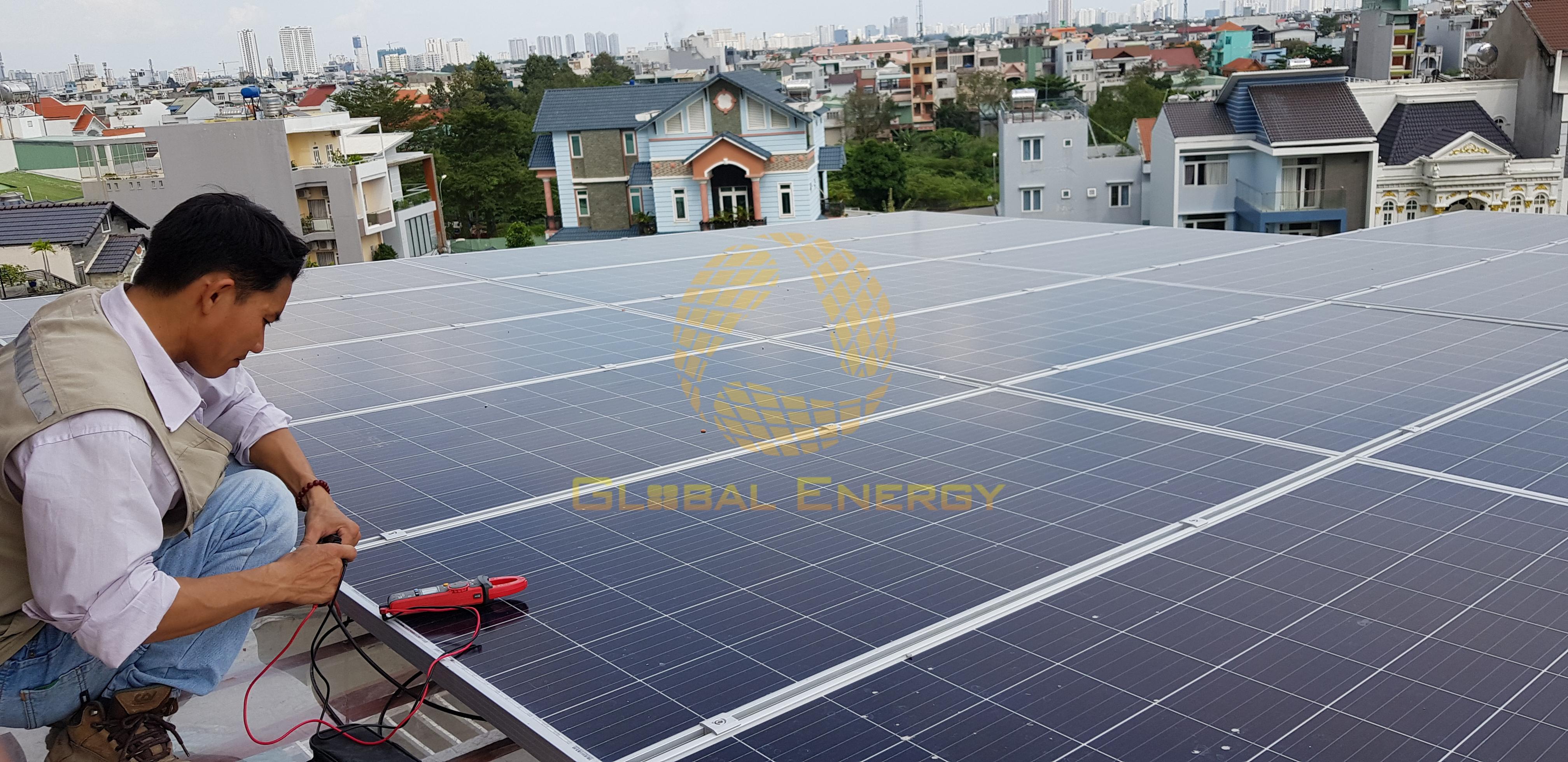 Ký hợp đồng mua điện với hộ dân lắp đặt ĐMT trên mái nhà